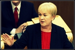 "OIL FUND ROW: Johann Lamont shows little restraint in the day's FMQs regarding Alex Salmond's ""dishonesty"""