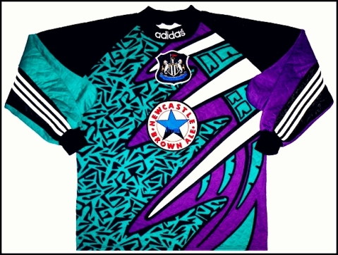 The Magpies tried out an animal-ish print flavour  and Picasso-esque mien. Neither worked.