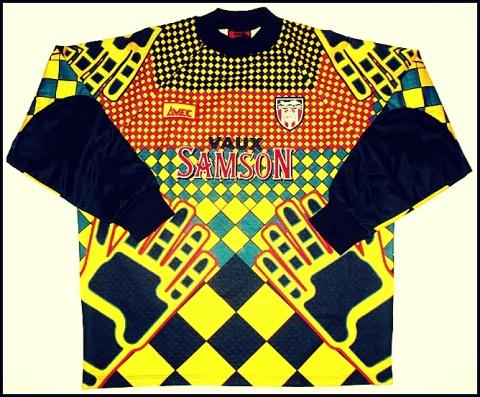 Sunderland's goalies felt more like Delilah in this acid trip apparel